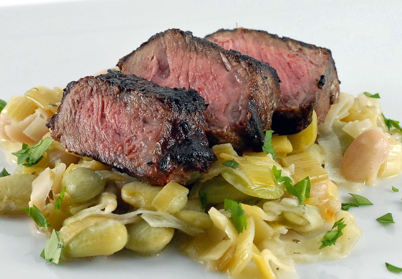 Steak-with-Creamy-Beans-and-Leeks