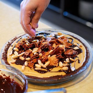 Peanut Butter Honeycomb Pie - Oui, Chef
