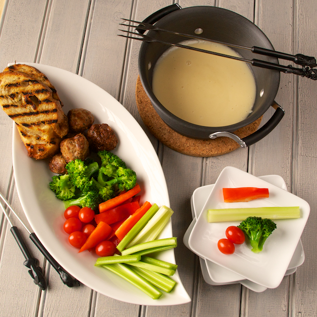Cheese Fondue with Veggies and Toast | {Fondues 38}