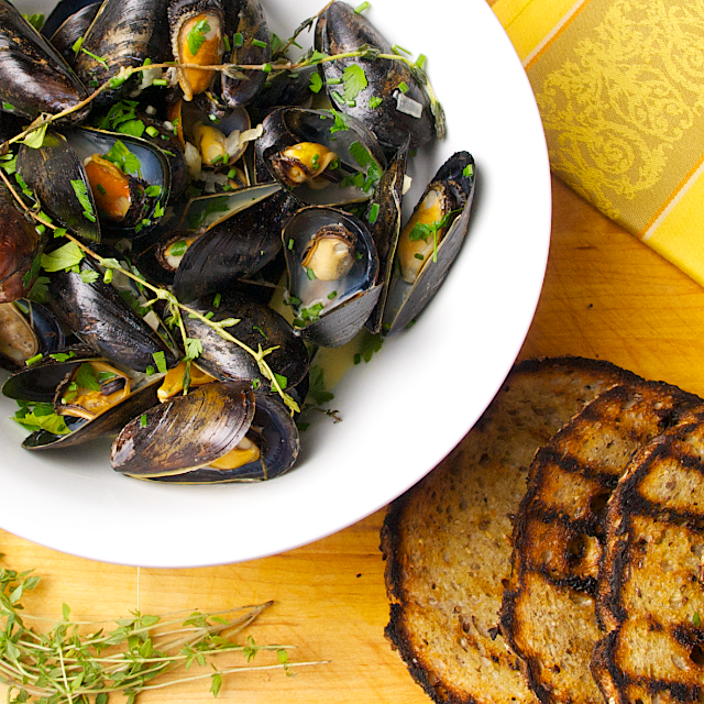 Mussels with toasts - Blog 1457