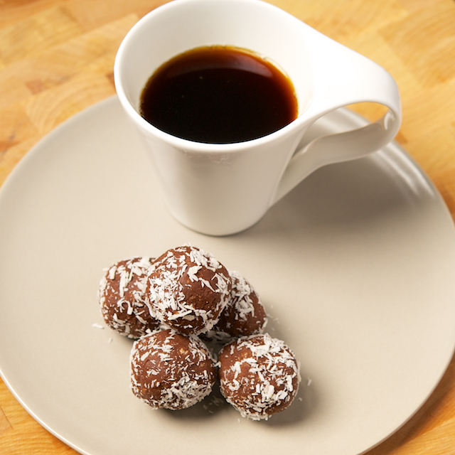 Balls with coffee - Blog 3792
