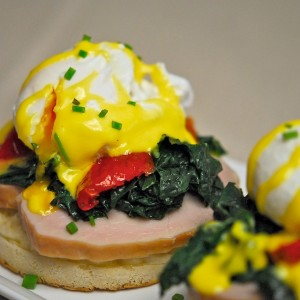 Eggs Benedict with Kale and Roasted Tomatoes – Charcutepalooza #4