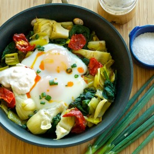 Meatless Monday – Baked Eggs with Spinach, Artichokes and Leeks